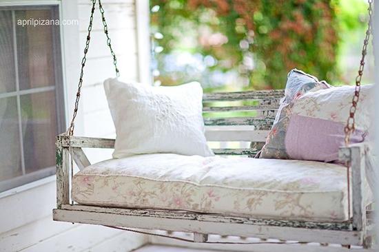 Desain sofa ayun unik