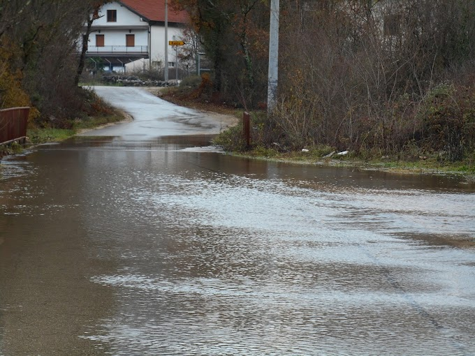 Nabujale vode Šipovače, mještani strahuju od novih poplava