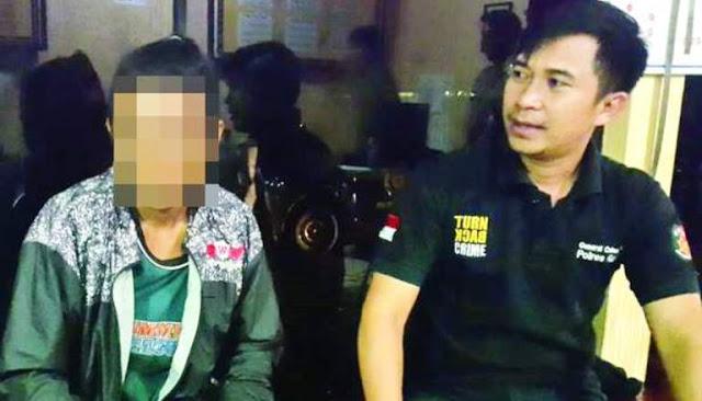 Hina Habib Rizieq di Facebook, Pemuda Ini Dijemput dari Rumah Lalu Dipolisikan