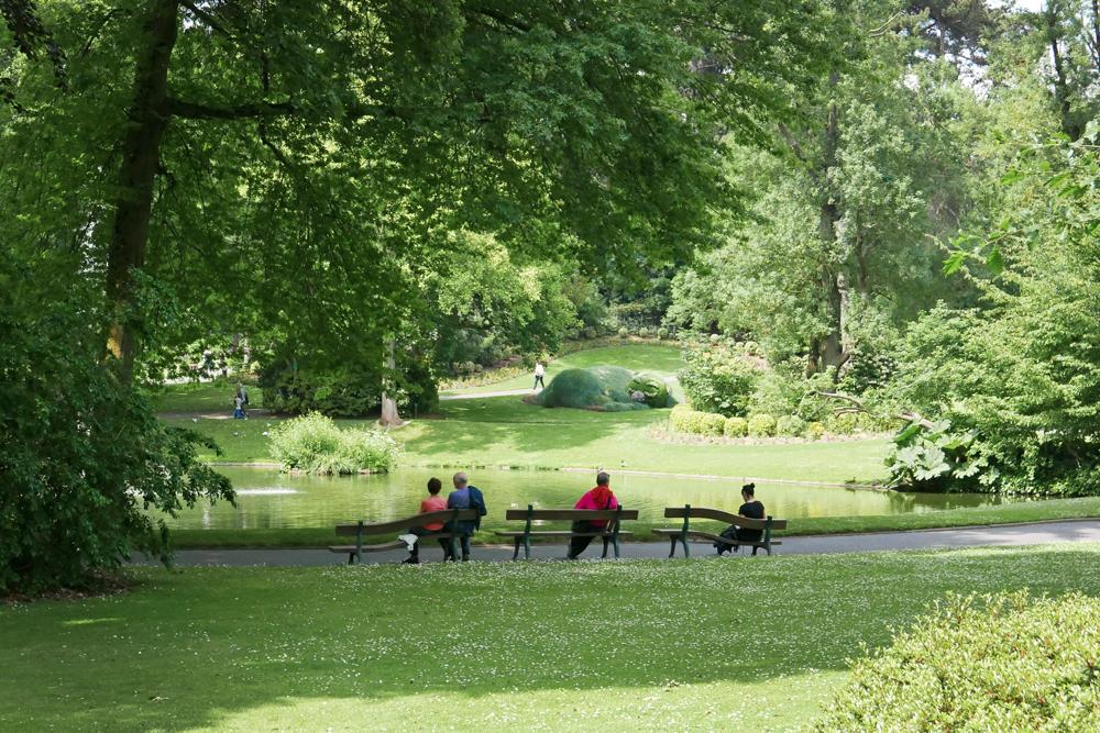 bancs originaux Dans le jardin des plantes de Nantes