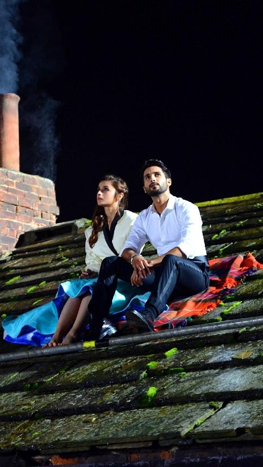 Alia And Shahid Sitting Shaandaar Galaxy Note HD Wallpaper