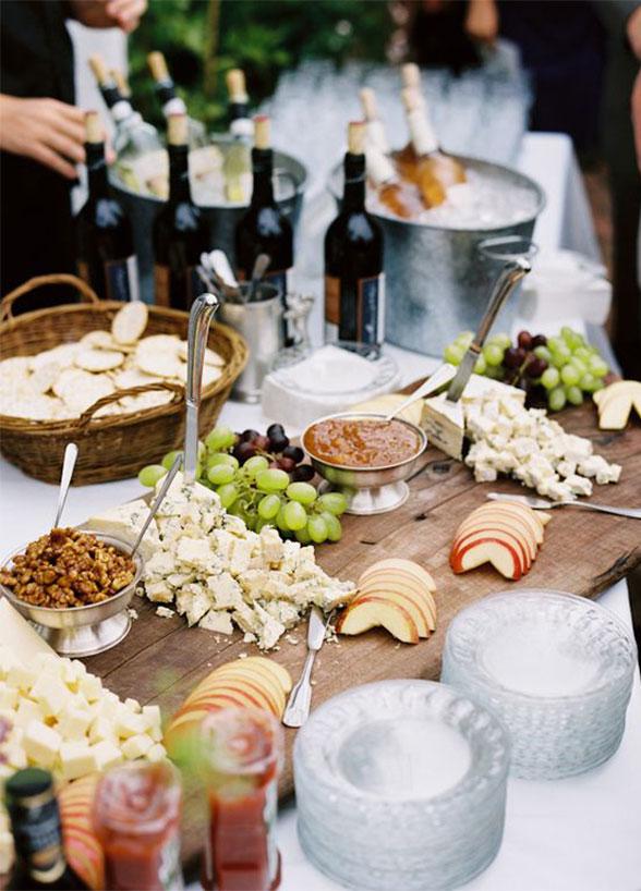 Zimny bufet na wesele inspiracje, Pomysły na zimny bufet weselny, Stół z przekąskami na wesele, Catering weselny, Dekoracje bufetu zimnego, Stół z jedzeniem na przyjęcie weselne, Stylizacja stołu na wesele, Menu weselne, Planowanie wesela, Zimna płyta na wesele dekoracje, pomysły i inspiracje ślubne