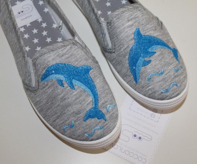 zapatillas pintadas delfín