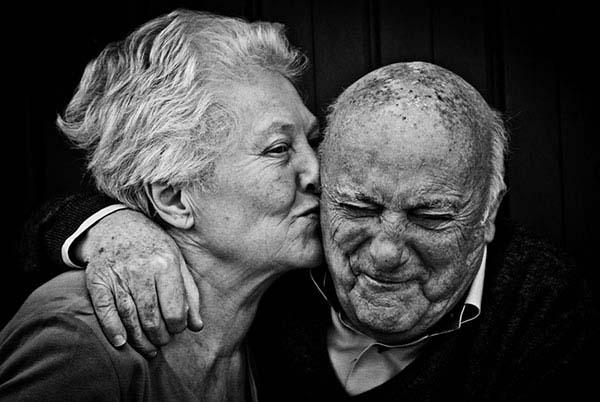 Наши дедушки и бабушки не умирают. Просто становятся невидимыми…