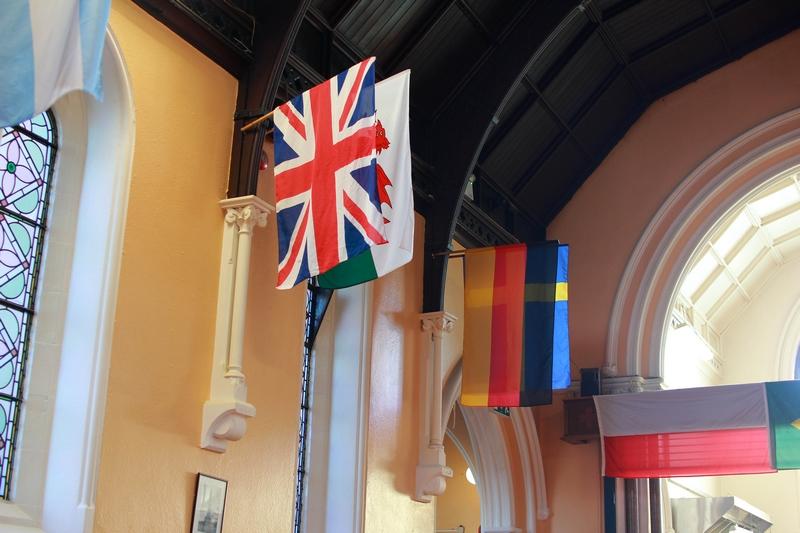 salle du petit déjeuné de notre auberge de jeunesse de la capitale irlandaise Dublin, installée dans une ancienne chapelle