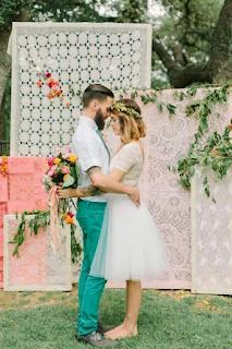 recycler des tissus anciens pour sa décoration de mariage  blog mariage www.unjourmonprinceviendra26.com
