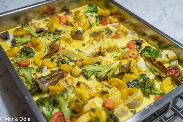 Kolja i gul, krämig sås + massor av grönsaker