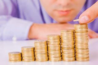 Каждый заемщик РФ задолжал банкам и МФО уже пять средних зарплат