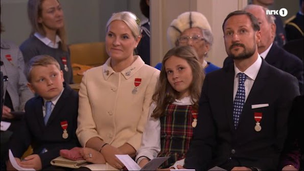 King Harald and Queen Sonja, Crown Prince Haakon, Crown Princess Mette Marit and their children Ingrid Alexandria, Sverre Magnus, Princess Märtha Louise, Ari Behn, King Gustaf of Sweden and his wife Queen Silvia, and Queen Margrethe of Denmark.