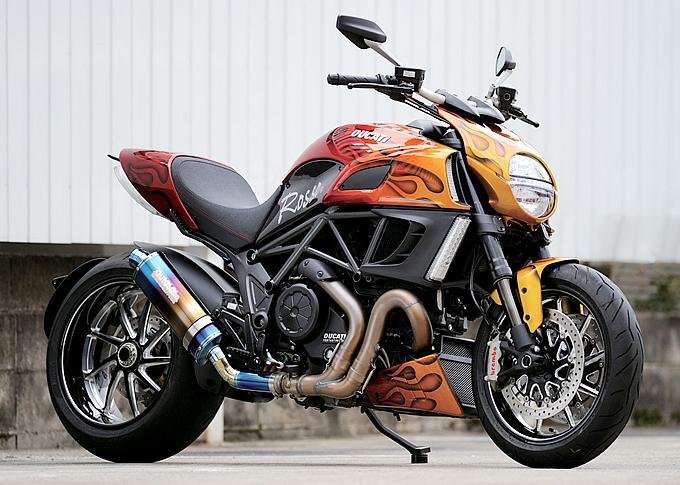 2012 Ducati Carbon Diavel Motorcycle Wallpaper