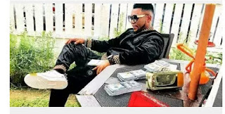 Oritsefemi In Trouble For Posing With Fake Dollars