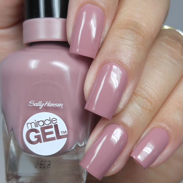 Sally Hansen - Make Me Mauve