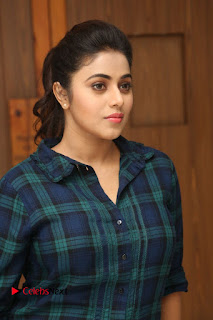 Actress Poorna Stills in Denim Jeans at Jayammu Nischayammu Raa Movie Interview 0002