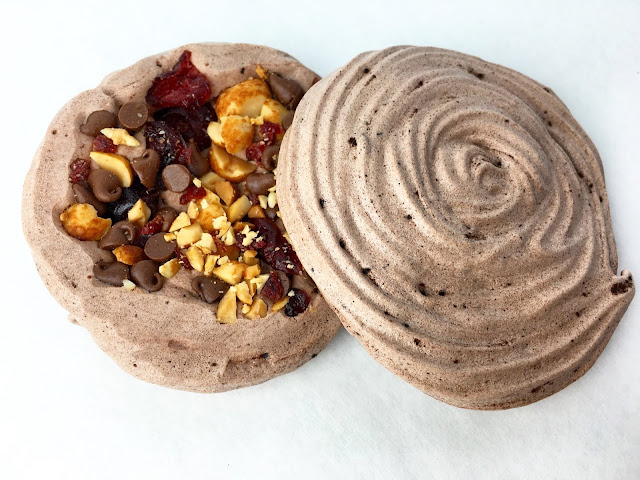 Baked Chocolate Meringue Discs