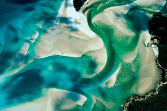 Sandbank on the Coast of Whitsunday Island, Queensland, Australia