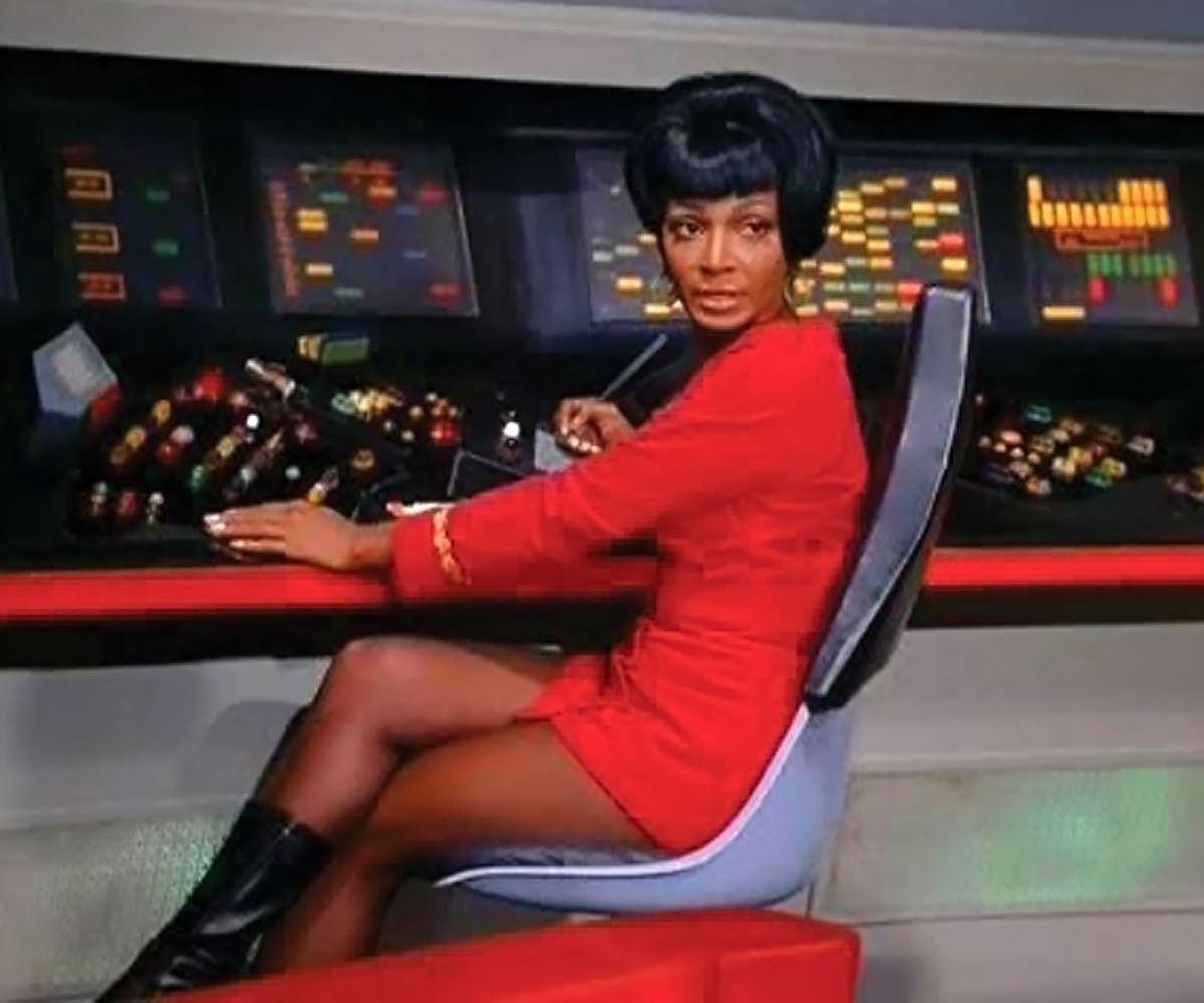 Uhura, indignando os conservadores.
