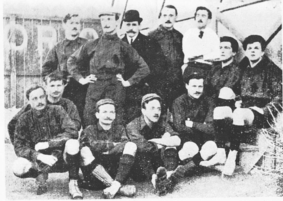 Football & Cricket Club Torino 1887. Canottieri d'estate, calciatori d'inverno