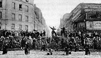 picture of paris commune barricade