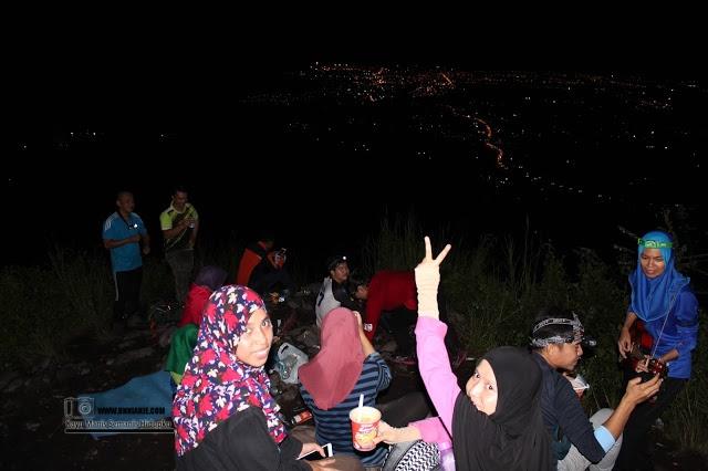 Suasana Bukit Panchang Tinagat, Tawau Pada Waktu Malam
