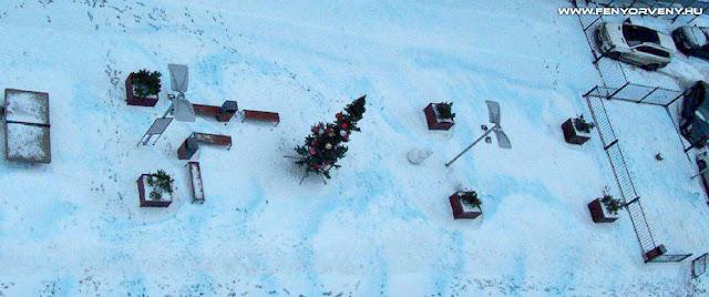 Kék hó esett Szentpéterváron