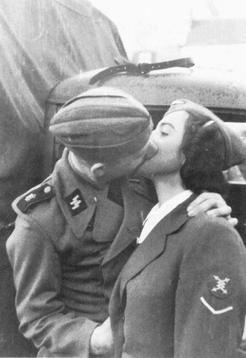 World War II couples weddings worldwartwo.filminspector.com