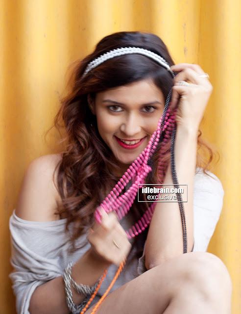 All Stars Photo Site: Barbie Handa Cousin of Priyanka ...