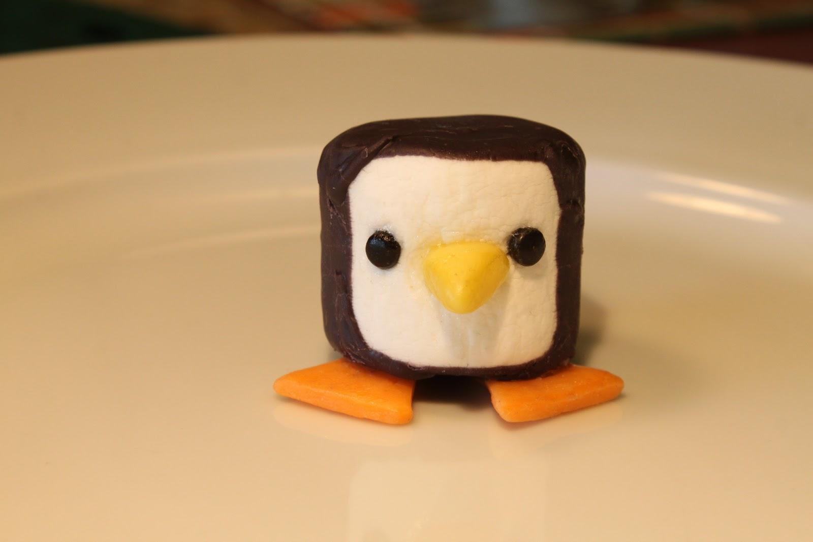 Wilton Cake Decor Penguin