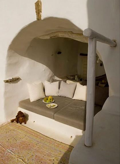 Una casa de arquitectura tradicional cíclada en la isla de Tinos chicanddeco