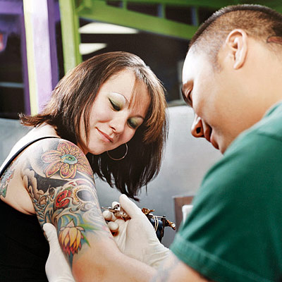 Tattoos designs pictures girl sleeve tattoos for Tattoo artist education courses