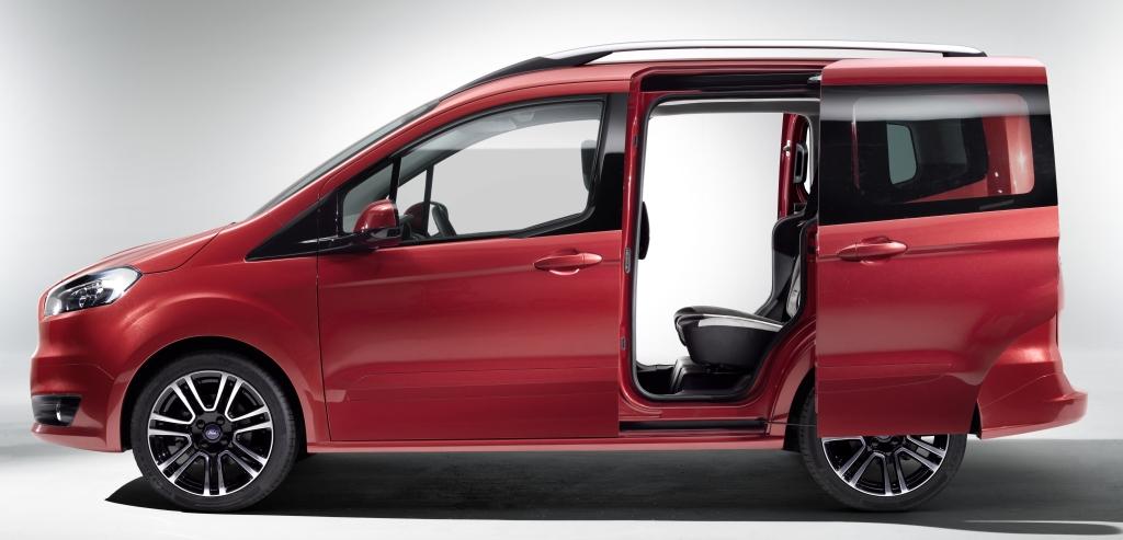 cockpit autom vel conte dos auto apresenta o ford tourneo courier. Black Bedroom Furniture Sets. Home Design Ideas