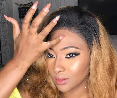 lilian esoro orders sex toy online