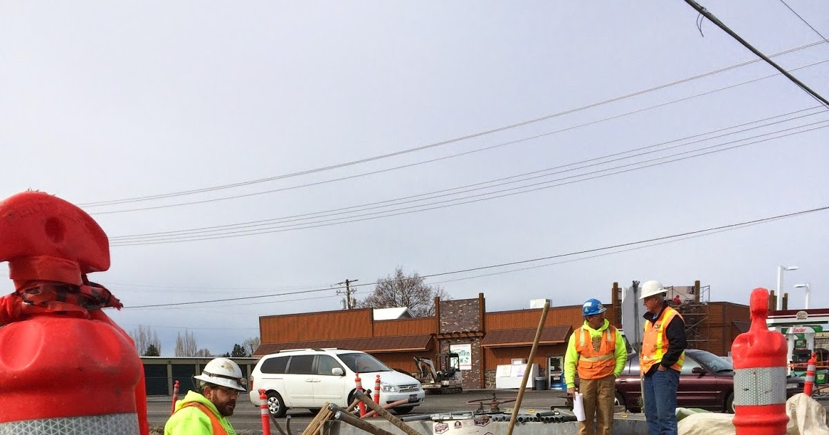 Bizmojo Idaho Traffic Signal Being Installed At First