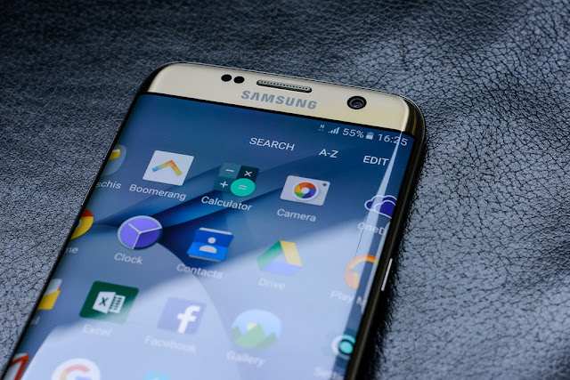 Samsung Electronics hit with quarterly benefit droop - rictasblog