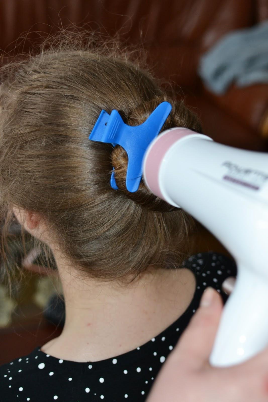 grube fale włosy