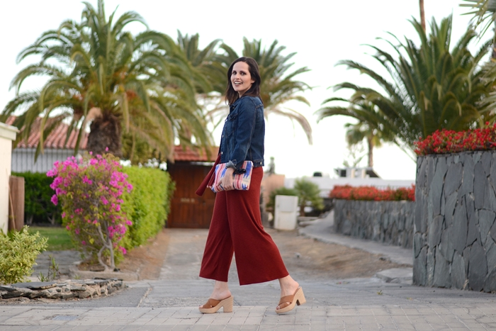 culotte-and-denim-jacket-outfit-street-style