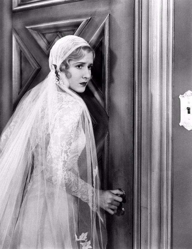 In Wedding Dresses 42 Vintage Mae Clarke