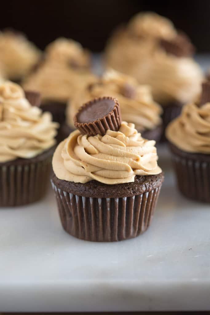 Reese's Peanut Butter Cupcakes #Cupcakesrecipes