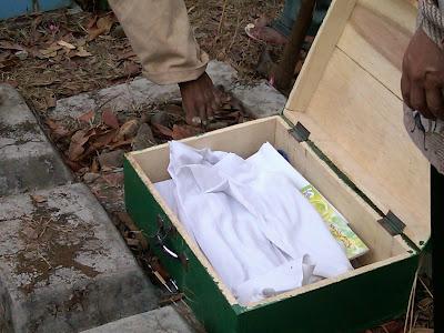 Pemakaman Mbah Parsiem 13