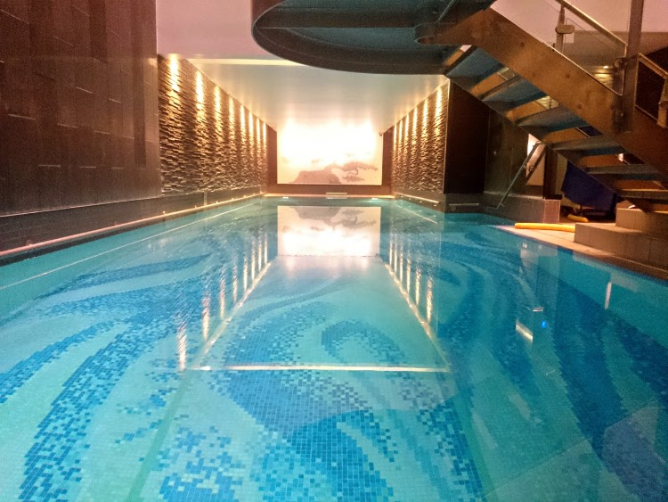 Luxury Langham Hotel London swimming pool