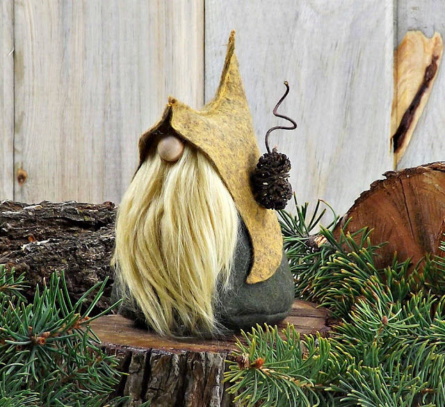 Gnome-Makers-Etsy-Shopping-Christmas-Jemma