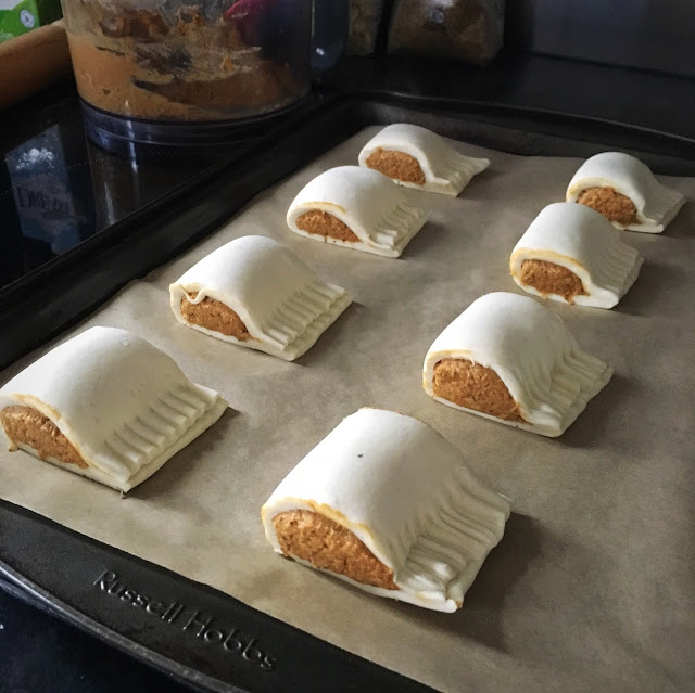 vegan sausage roll, the little blog of vegan, vegan sausage