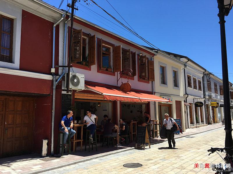 [阿爾巴尼亞] 斯庫台/市中心【Shega e Eger】文青式浪漫飲料店 大熱天的好去處