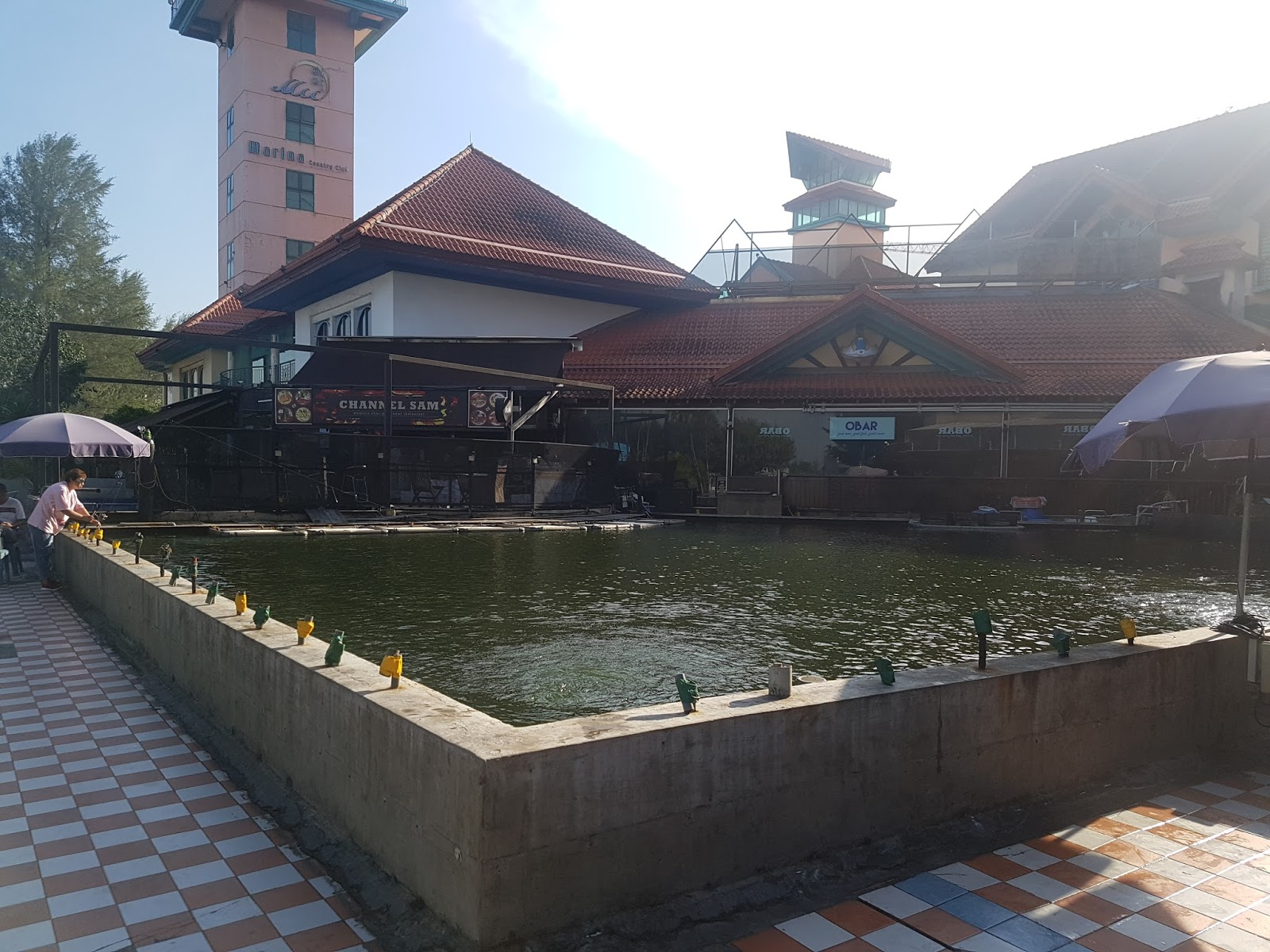 Baktao heaven gills fishing pond singapore at punggol - Least crowded swimming pool singapore ...