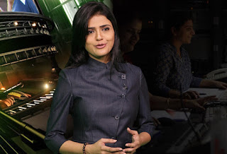Indian Hottest News Anchors pic, Indian cute in TV News Reporter pic