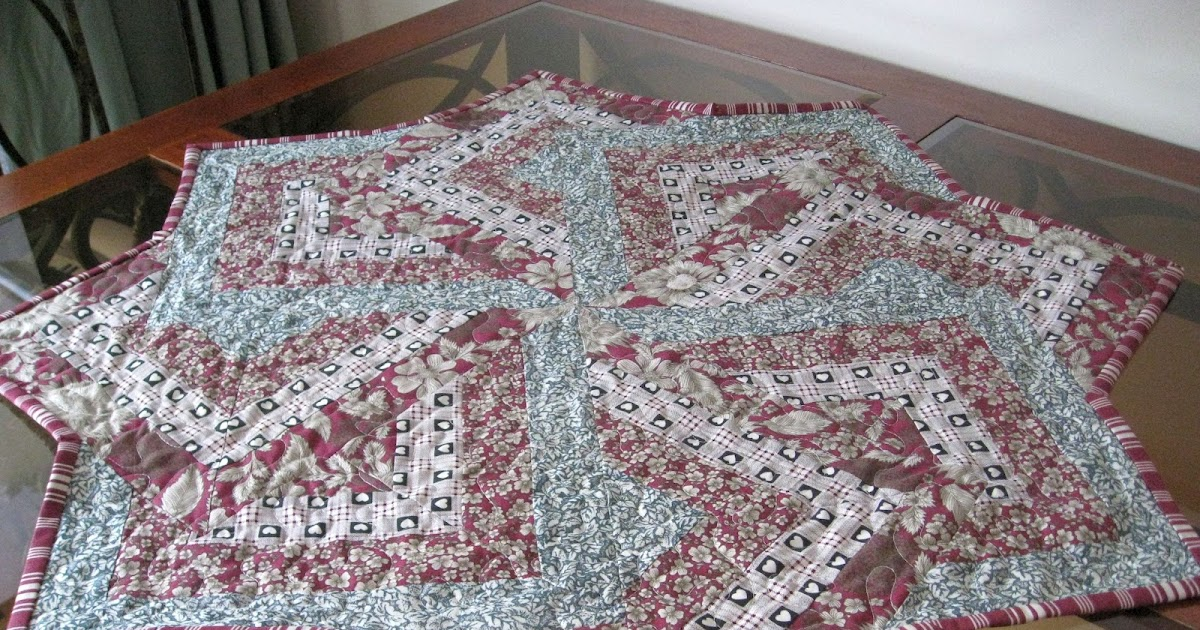 Vicki's Fabric Creations: Swirly Star-Card Trick Table ...