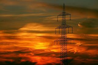 El Gobierno de Aragón firma con Iberdrola (como ya hizo con Endesa) para que a nadie le corten la luz o el gas