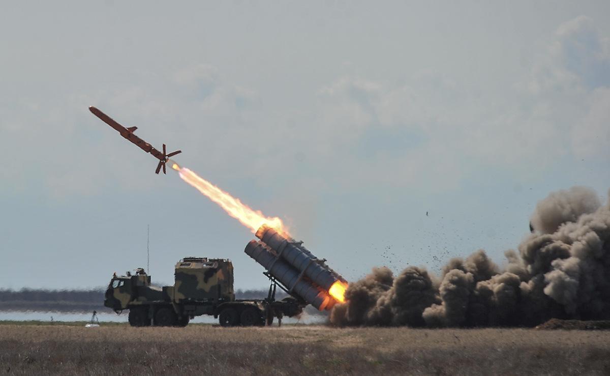 бойові стрільби берегового комплексу протикорабельних крилатих ракет Р-360 Нептун
