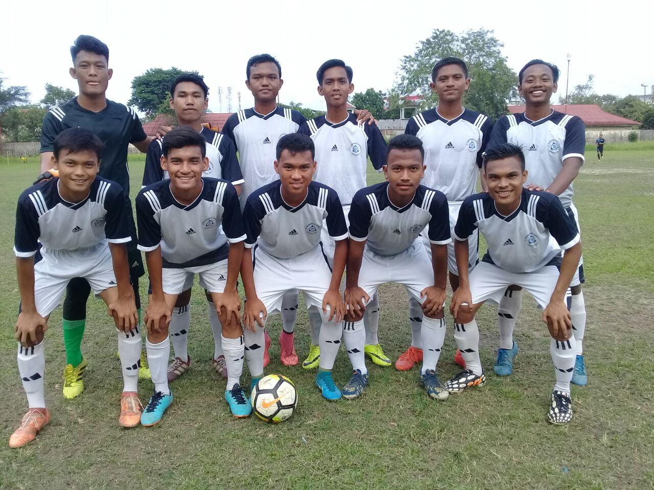 Tim Sepakbola U-21 Kota Tanjungbalai saat menghadapi Tim Sepakbola Persebsi Sibolga di Stadion Asahan Sakti, Tanjungbalai.
