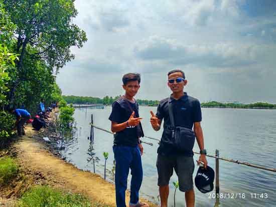 Ngopi Siang Di Destinasi Ekowisata Mangrove Sungai Rindu