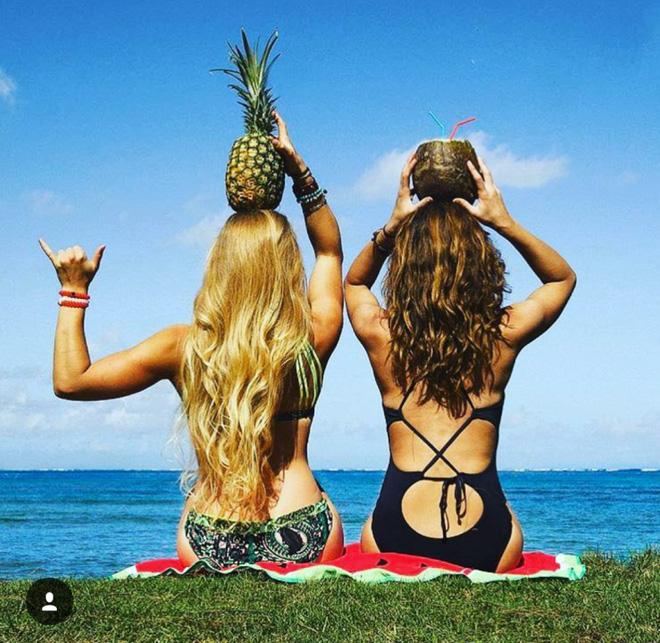 """2 Cô bạn thân xinh đẹp khơi dậy trào lưu """"đi du lịch khắp thế giới cùng cô bạn gái thân 14"""